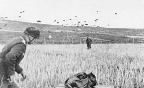 """Кадры из немецкой военной хроники """"Kampf fur Krit"""", 1940 г."""