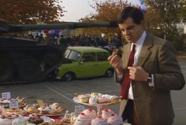 """Кадр из сериала """"Мистер Бин"""", сезон 4 """"Снова в школу Мистер Бин"""", Великобритания, 1994 г."""