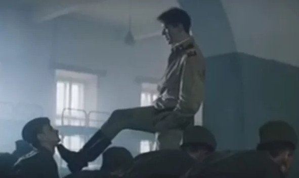 """Кадр из фильма """"делай - раз!"""", СССР, 1989 г."""